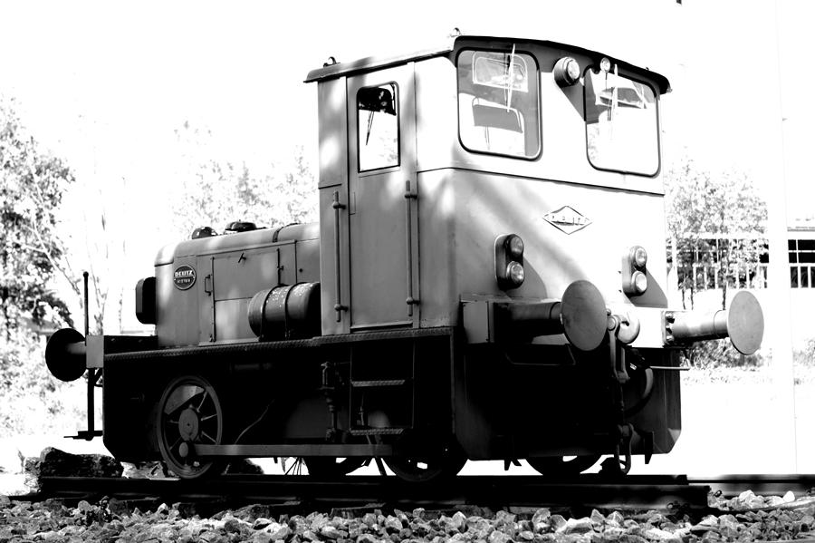 Blog + Fotografie by it's me! | fim.works | SchwarzWeissBlick No 14 | Deutz Lok Bj 1965 | Seitenansicht