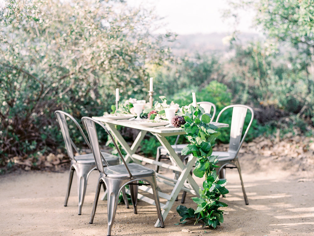 Garden Wedding Tablescape with Garland Centerpiece | Savan Photography