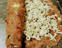 Rolling the chicken minced with cheese to make minced chicken kebab recipe