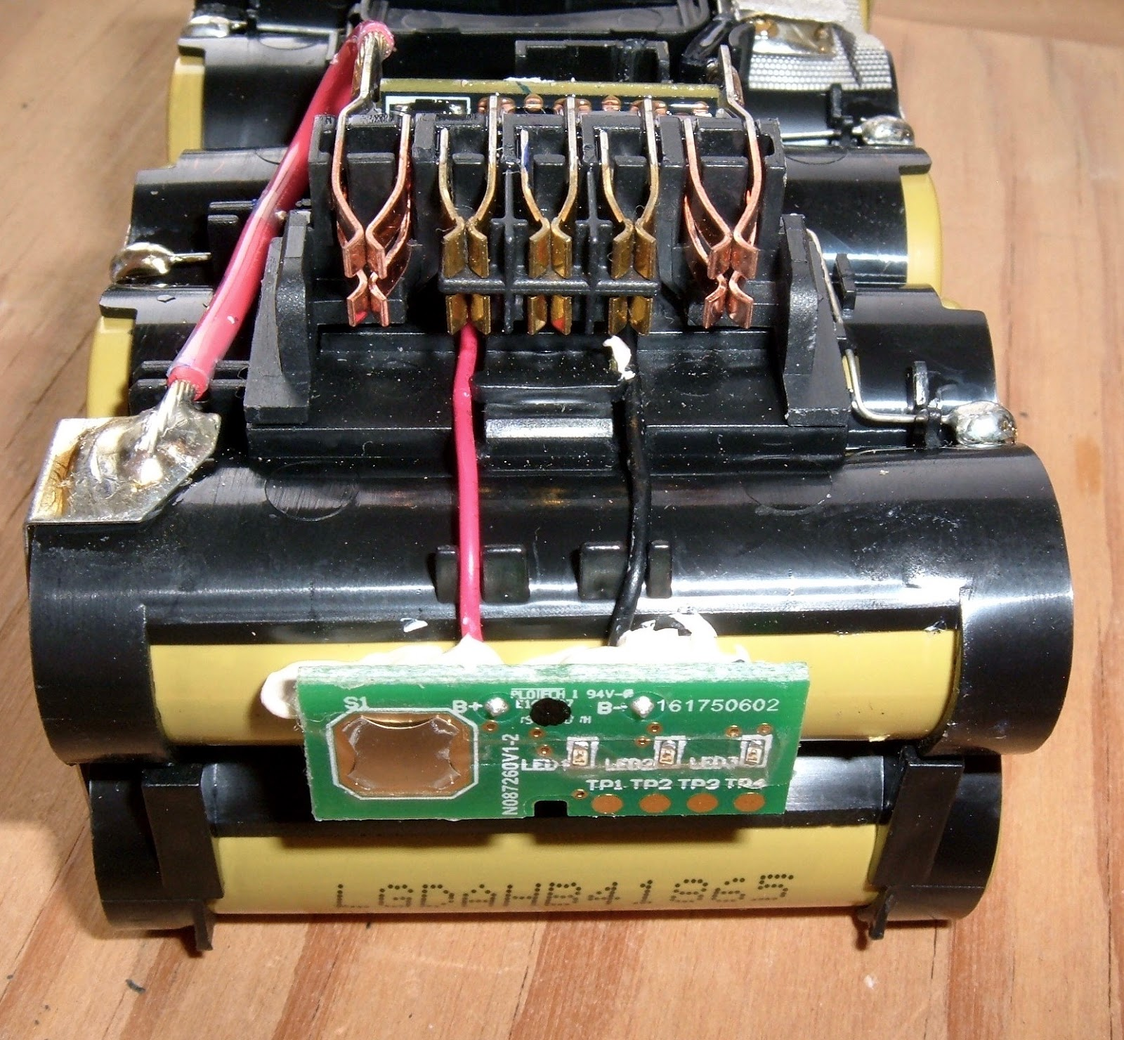 Syonyks Project Blog Dewalt 20v Max 30ah Battery Pack Teardown Common Symbols Include A Cell Switches Meters Power Cells And Interconnects
