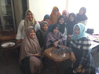 dr. Zam Zanariah Gelar Silaturahmi Pengurus Antar Organisasi di Kediamannya