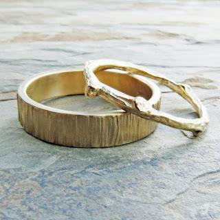 gold woodgrain wedding band