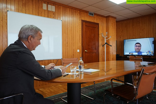 El consejero Sebastián Franquis coordina con los siete cabildos insulares las medidas a aplicar para recuperar económicamente el sector del transporte tras la crisis sanitaria