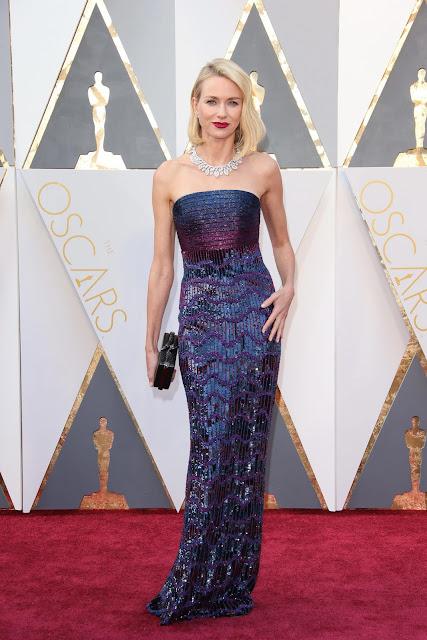 Oscar 2016 Naomi Watts vestida de Armani Privé