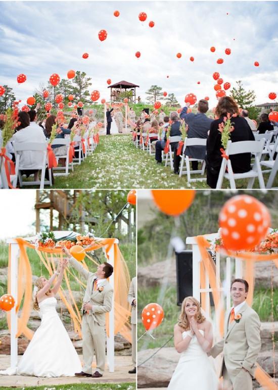 Polka dots wedding balloons
