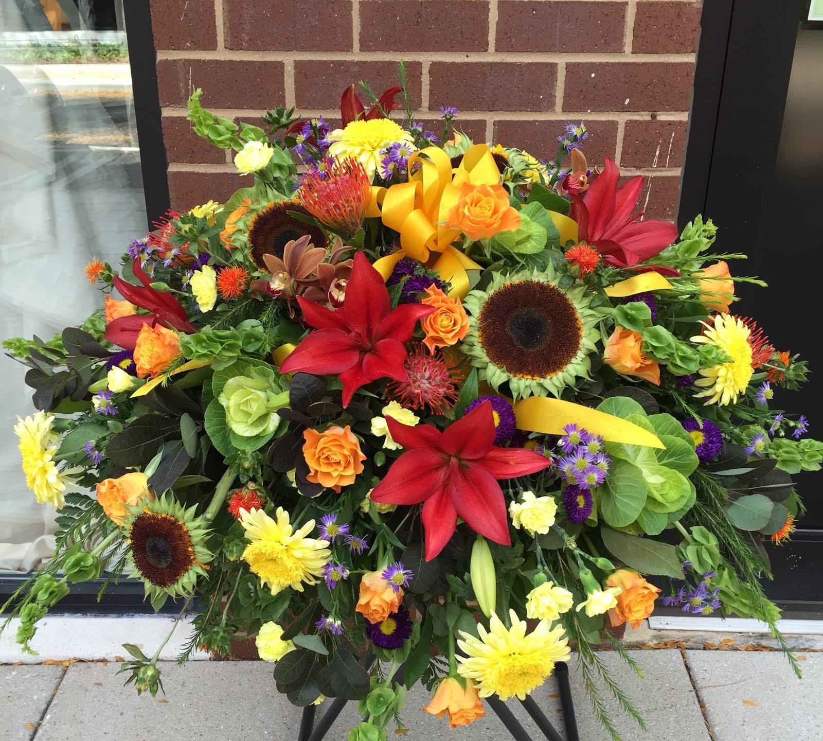 Sending sympathy and funeral flowers izmirmasajfo Choice Image
