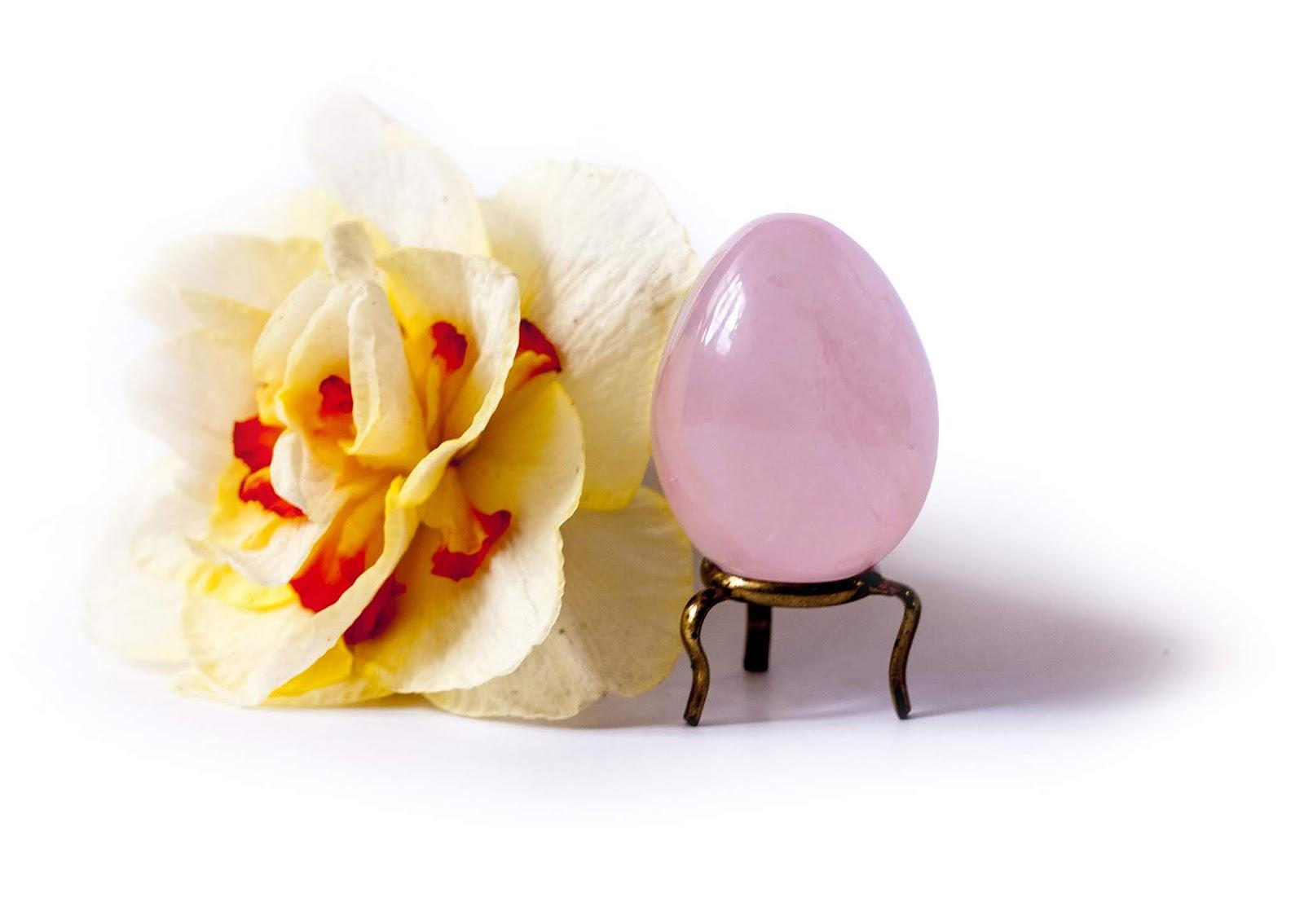 oeuf de yoni en quartz rose
