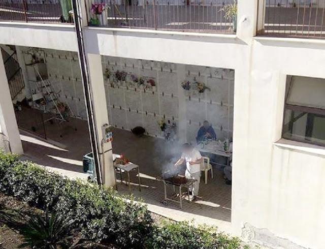Buongiornolink - Grigliata al cimitero di Melilli, foto fa i giro del web