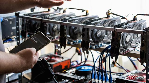 Dù Bitcoin giảm giá một nửa, miner Trung Quốc vẫn có lãi