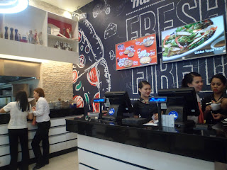 Pizza Hut In Kia Thater Is Now Open To Serve You