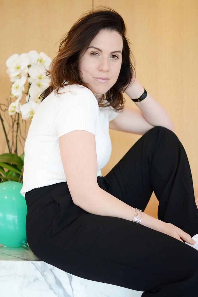 Le Chateau Lauren's Closet wide-leg pants and mock turtleneck top minimalist fashion Vancouver blogger