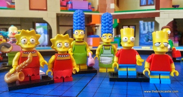 LEGO Simpsons minifigures compared to 71006 house characters