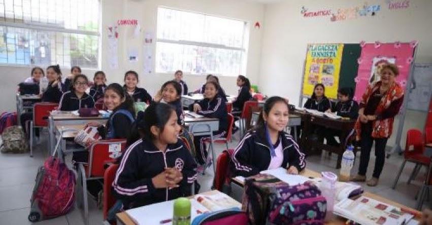 Contraloría supervisa buen inicio del año escolar en Arequipa
