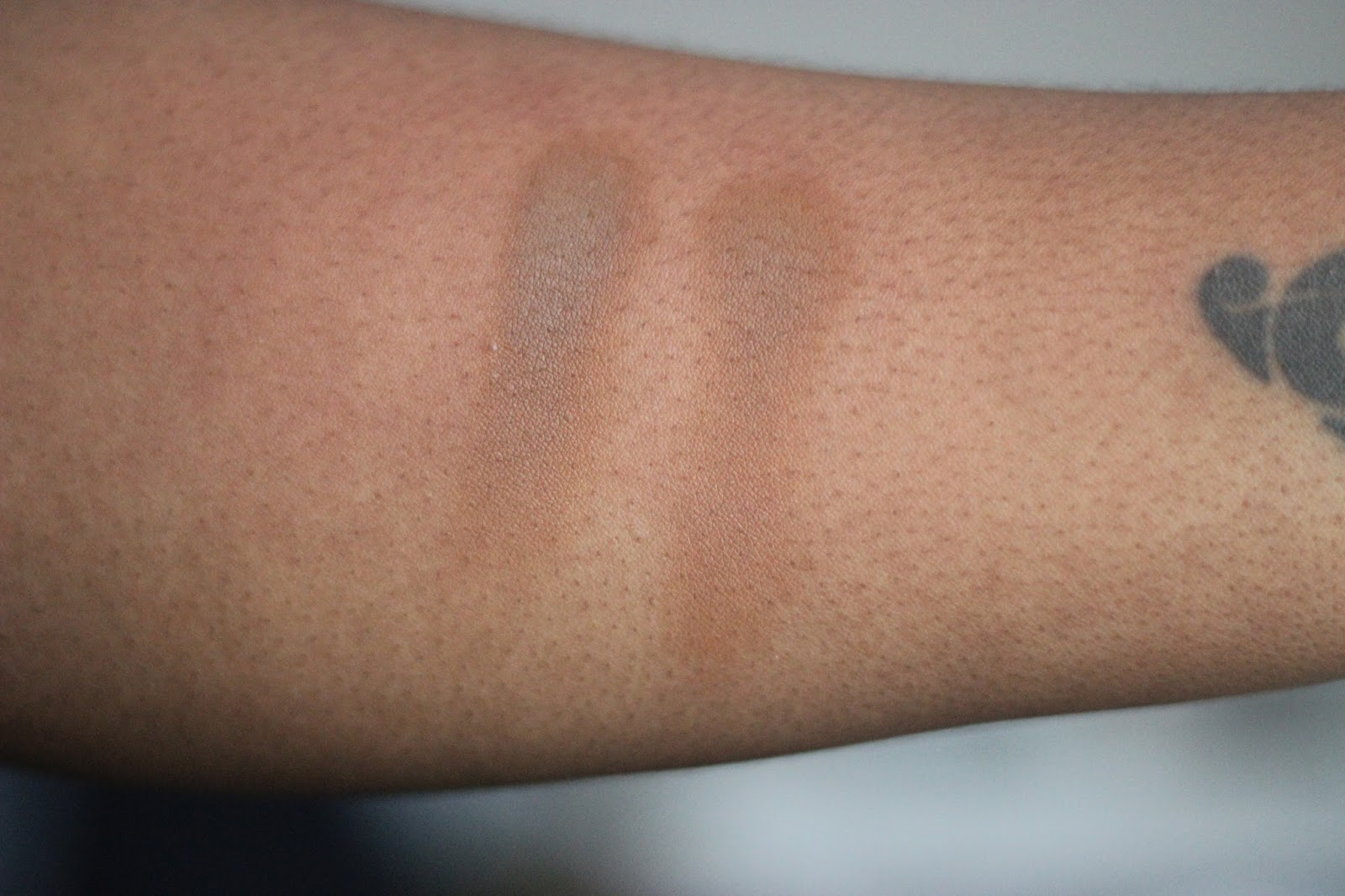 Mac Pro Longwear Eye Shadow Uninterrupted UK Dark Skin Black Beauty Blogger Review Swatches Review Contour