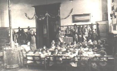Premières écoles maternelles, la cantine (collection musée)