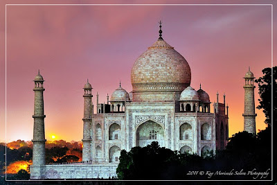 Natural Taj Mahal At Night