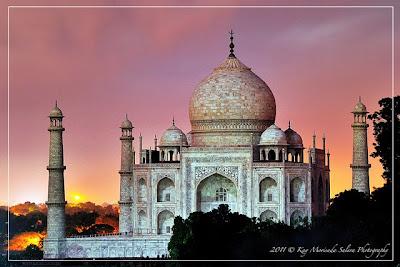 Natural Taj Mahal At Night