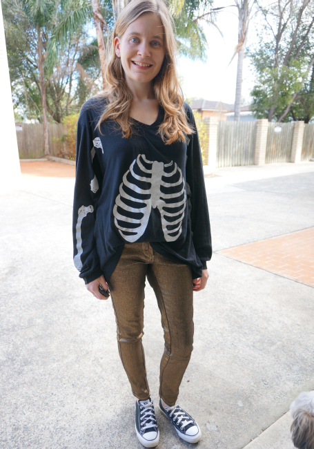 sass and bide metallic skinny jeans wildfox skeleton tee converse