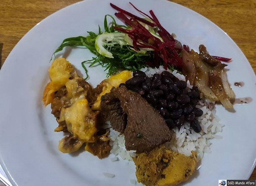 Jantar servido na Pousada do Caraça - Onde se hospedar no Santuário do Caraça