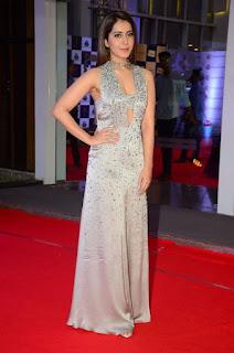 Telugu Actress Raashi Khanna Stills at Mirchi Music Awards South 2018 (1)
