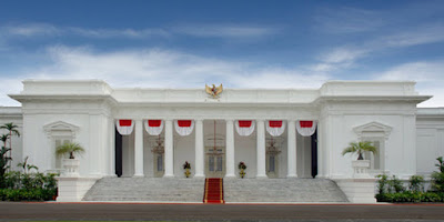 Jika GIDI yang Membakar Masjid Diundang, Akankah Hari Ini Engkau Izinkan Kami Masuk Istana?