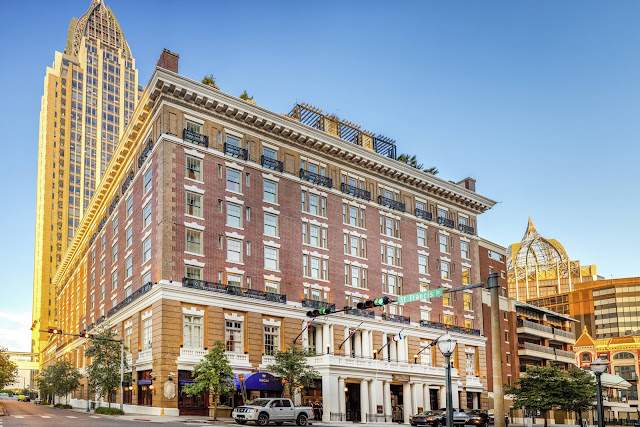 The Battle House Renaissance Hotel & Spa is one of the premiere hotels in Mobile. Thoughtfully restored to its original grandeur, it is now a proud member of Historic Hotels of America.
