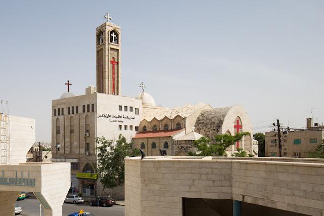 Iglesia católica junto a la Mezquita