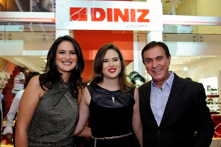 cf4a183b06d40 A proprietária da Diniz Prime, Leila Diniz (E), acompanhada pela  diretora-presidente das Óticas Diniz Brasília, Aline Diniz, e o  apresentador Amaury Jr.
