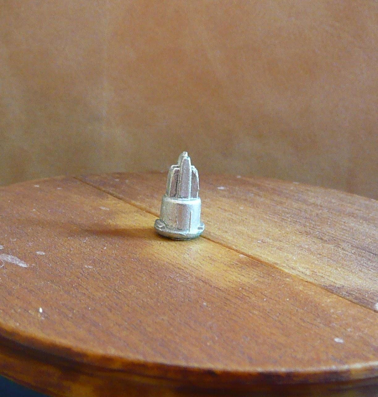Joanne's Minis: Dollhouse Miniature Statue