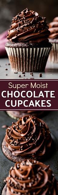 Super Moíst Chocolate Cupcakes