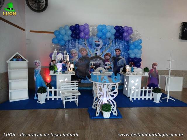Decoração de mesa temática Frozen para festa de aniversário infantil - Jacarepaguá - RJ