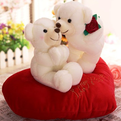 Wallpaper Gambar Boneka Beruang Putih