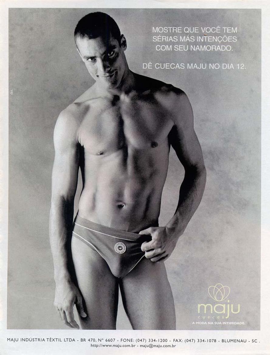 Campanha das Cuecas Maju com o ator e modelo Paulo Zulu para o Dia dos Namorados em 1998