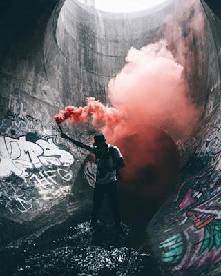 fotos tumblr en cloacas con humo de colores