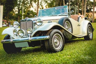 MP Lafer único: de seis rodas. Os estepes salientes ajudam a equilibrar a relação de peso entre eixos, deixando o carro menos arisco.