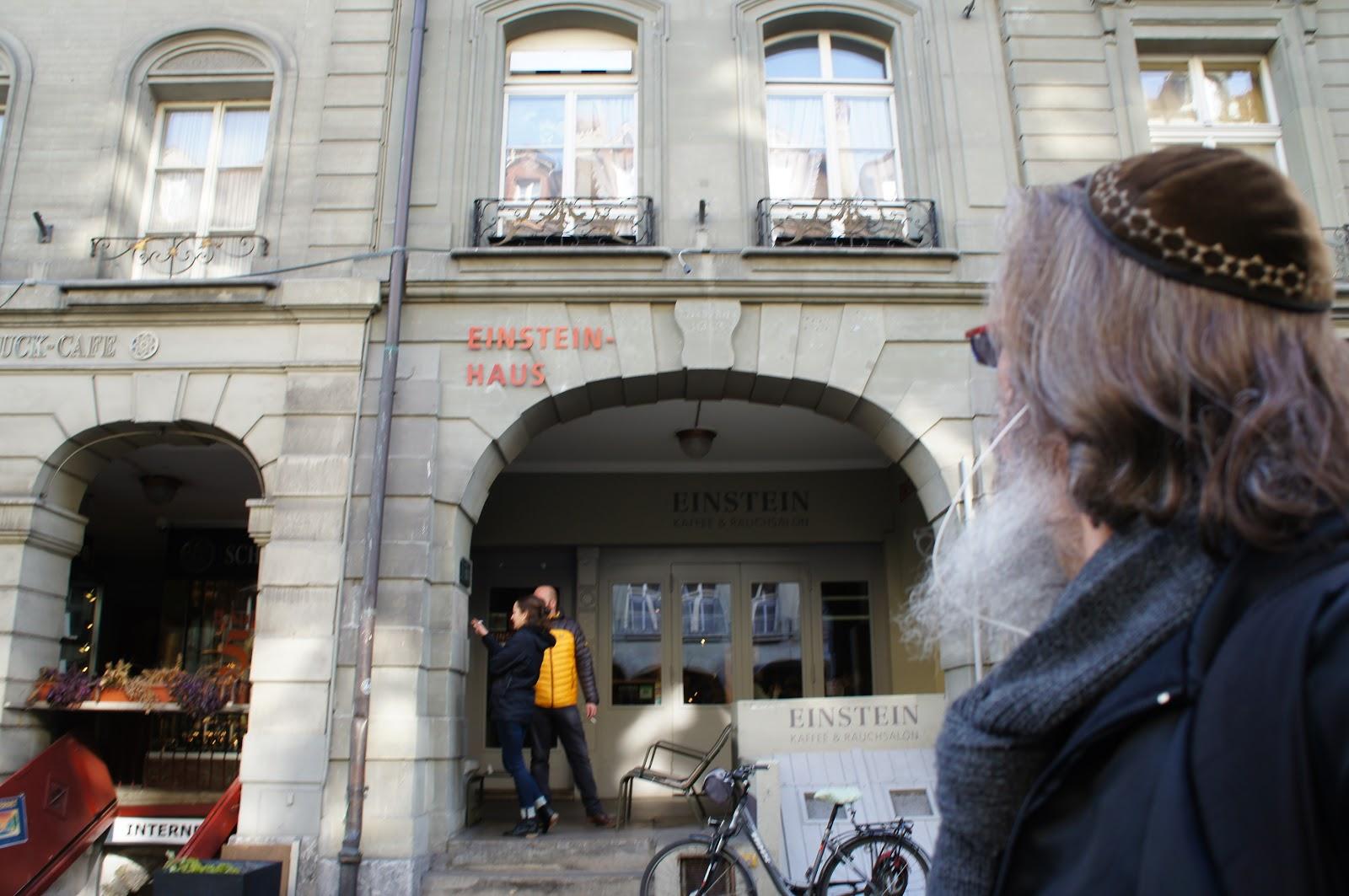 Kết quả hình ảnh cho Einsteinhaus