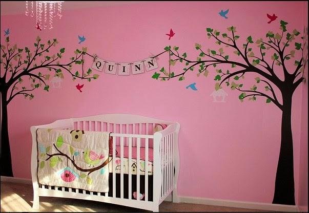 Dormitorios de beb s decorados con rboles dormitorios for Papel mural para dormitorio bebe