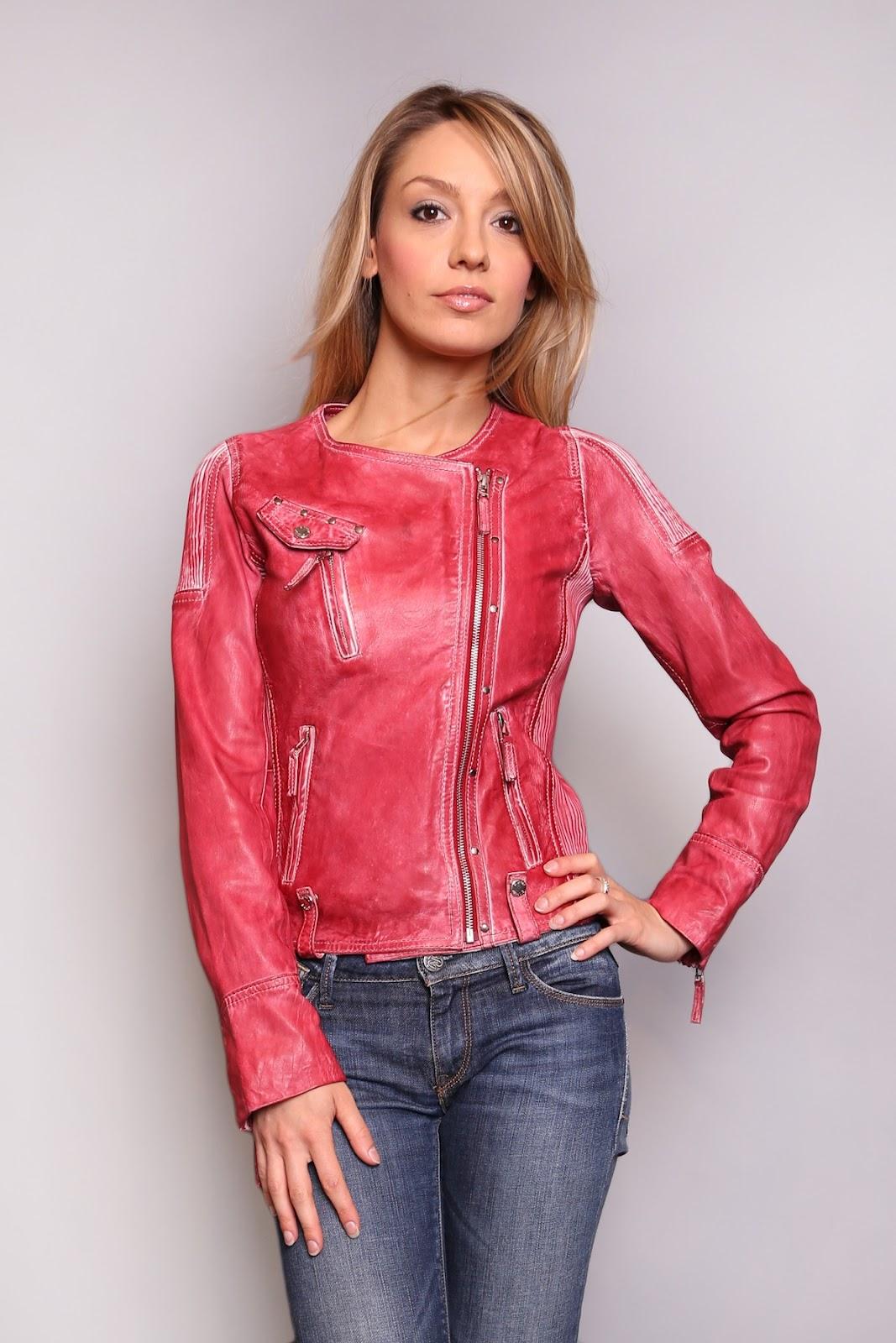 tendances f minines de fin d 39 ann e 2012 blouson cuir rouge veste en cuir rouge par. Black Bedroom Furniture Sets. Home Design Ideas