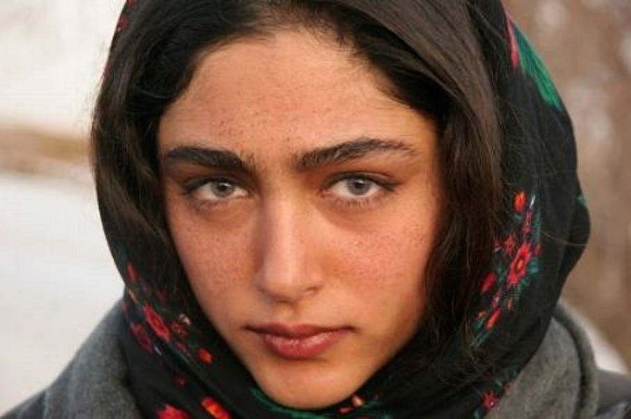 Golshifteh Farahani banned from returning to Iran over