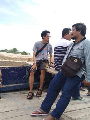 kapal Kayu Menuju Pulau Gili Genting