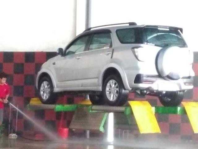 Tempat Cuci Mobil di Caruban