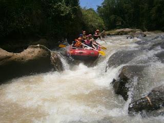 Daya Tarik Spot Rafting Sungai Cisadane