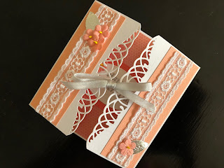 Gatefold Mothers Day Card with Flowers and Lace