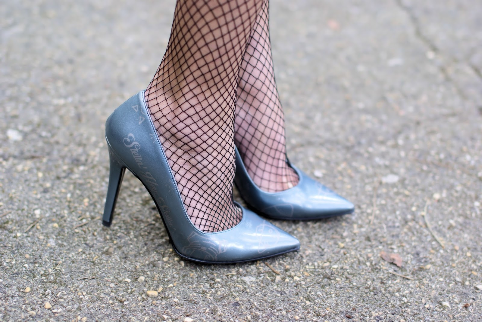 #StayMercury Denim Star Pumps by Angela Pavese for Vigevano Shoes on Fashion and Cookies fashion blog, fashion blogger