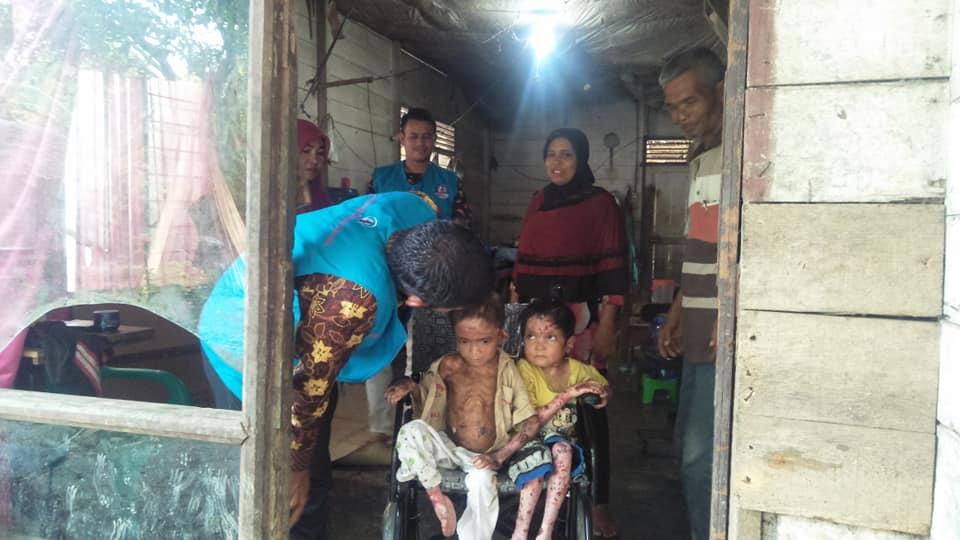 LPD Antar Kursi Roda untuk Rainsyah dan Wulan zaskia.