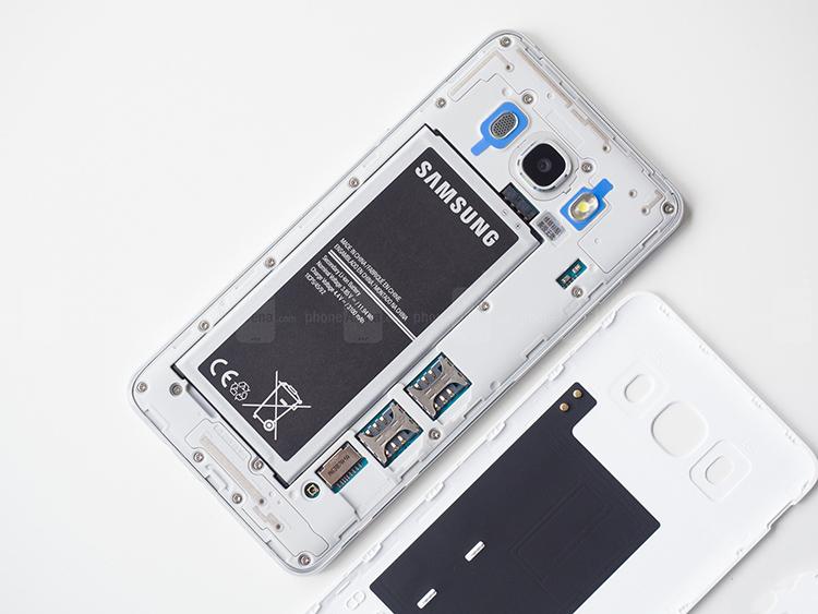 Samsung ra bản cập nhật mới Android 7.1.1 Nougat cho Galaxy J5 (2016)