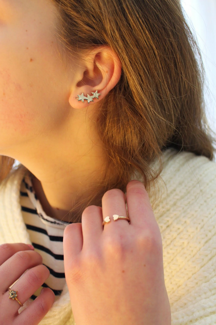 Tips to look expensive: wear pretty and chic looking jewlery