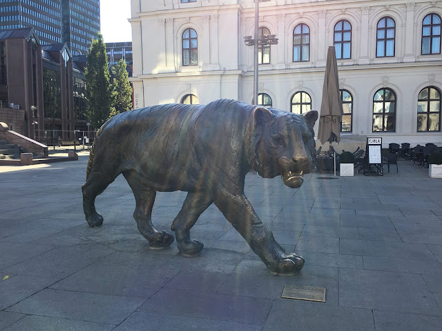 Oslo tiger sculpture