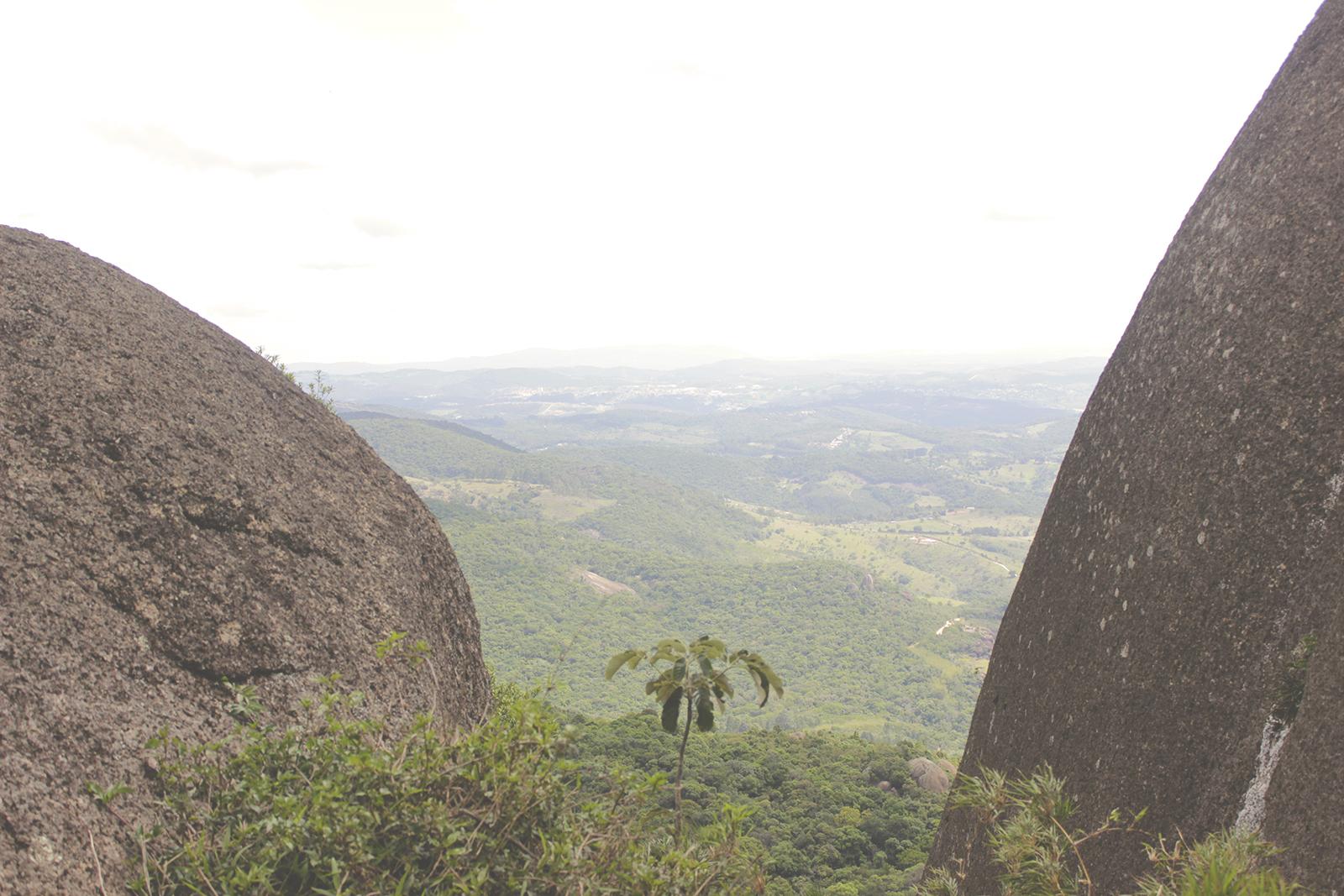 vista entre pedras
