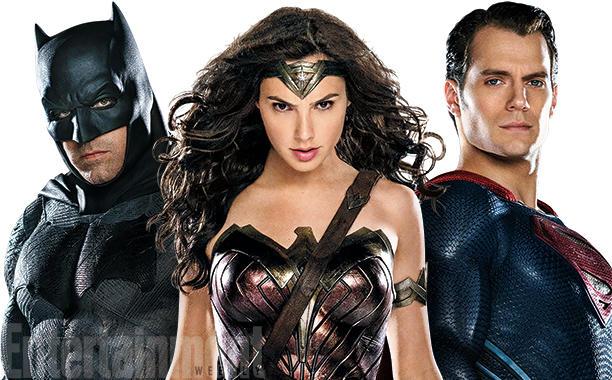 Hasil gambar untuk Gal Gadot sebagai Wonder Woman di Batman v Superman.